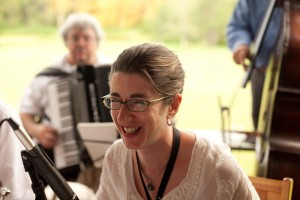 Metropolitan Klezmer's Debra Kreisberg at wedding reception
